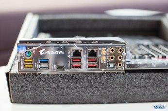 Es wird nur noch auf USB 3.1/3.0 gesetzt.